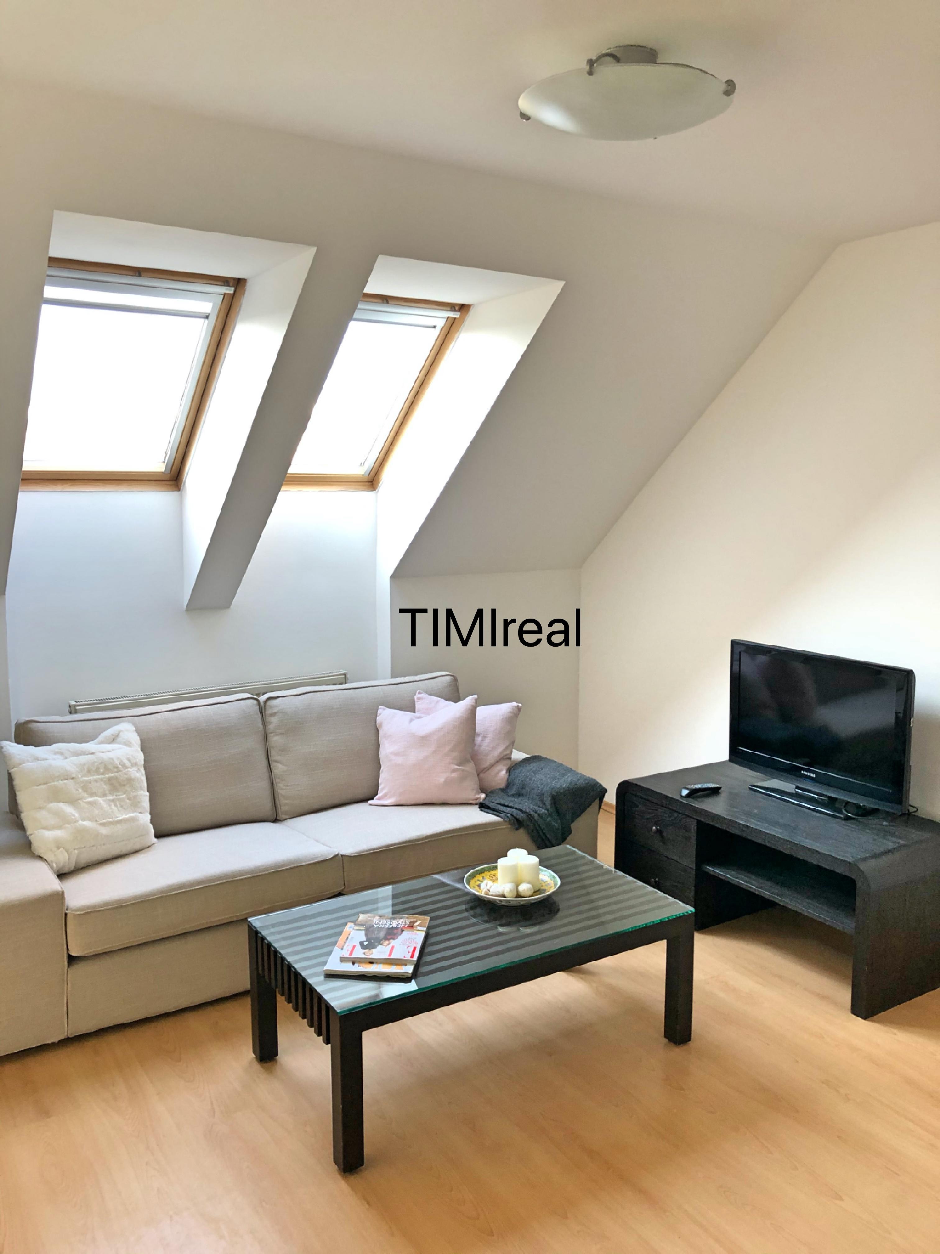 Na prenájom klimatizovaný 3 izb. mezanín s balkónom a terasou KOŠICKÁ