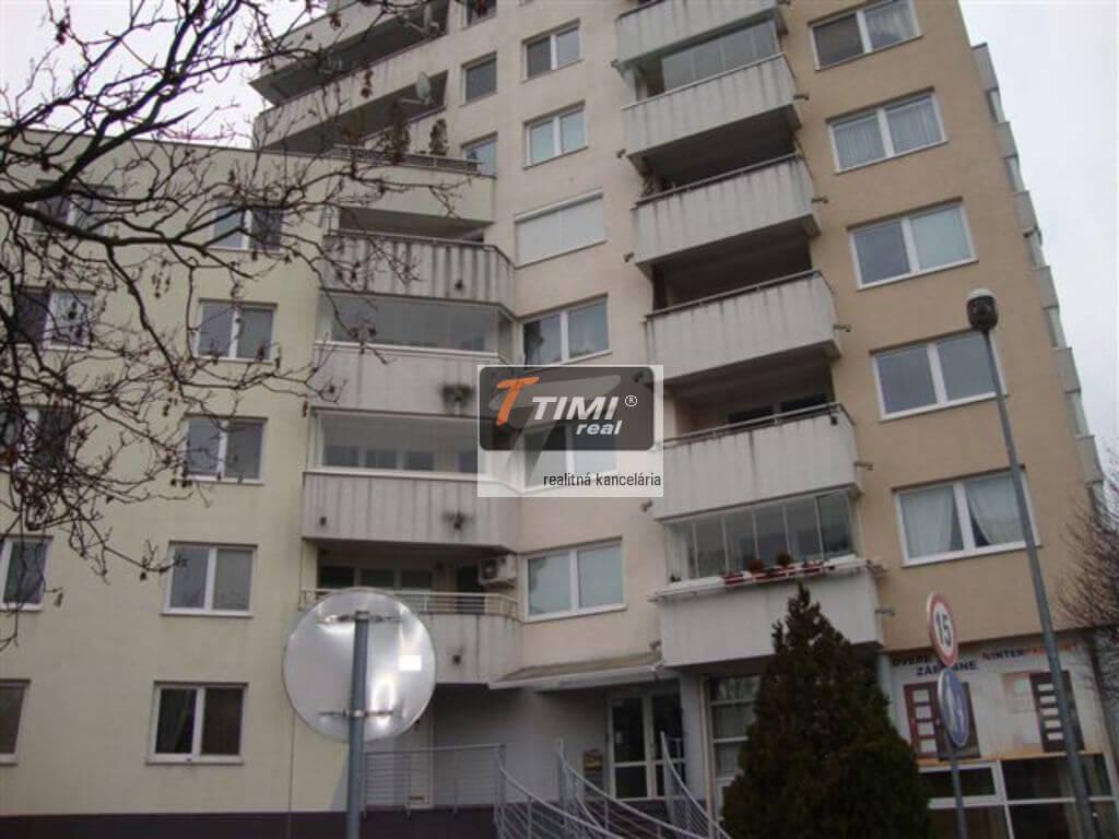 Ponúkame na prenájom 2 izb. byt v Ružinove na ul. Planét, voľný od 01.07.2020