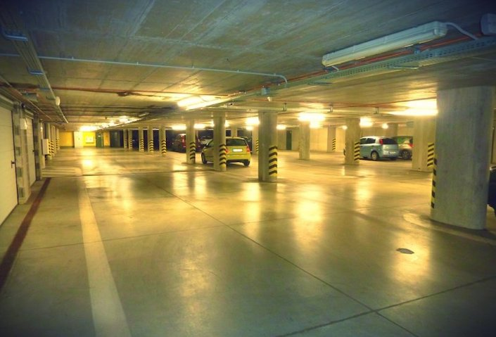 Na prenájom parkovacie státie v OC RETRO