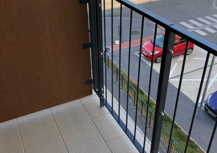 LEN U NÁS prenájom 1 izb bytu s loggiou a parkingom SLNEČNICE