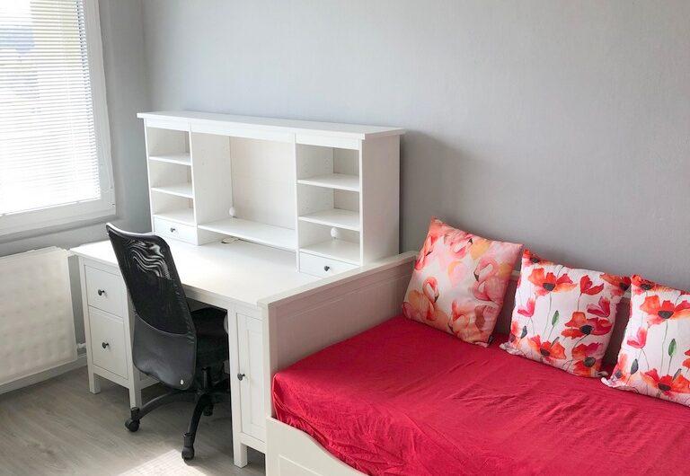 Prenájom 2-izb. bytu s 3 loggiami s nádherným výhľadom