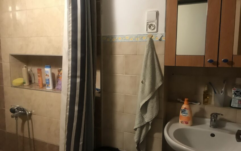 3izbový byt so samostatnými izbami spolu s dvorom